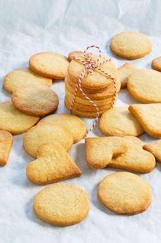 Baby Food Recipes, Cake Recipes, Snack Recipes, Easy Strawberry Desserts, Dutch Recipes, No Cook Desserts, Food Cakes, Four, Bakery