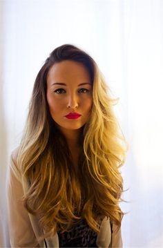 long hair / honey blonde / highlights / ombre / balayage / wavy / sexy / hair / bombshell / red lips / summer #prom yellow hairstyles