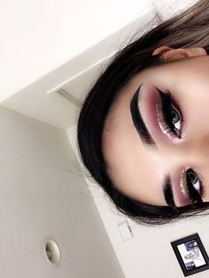 Glitter liner ✨half cut crease #glittercutcrease #cutcreaseeyeshadow