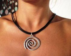 Collar espiral, negro, collares para las mujeres, declaración collares, collares colgantes, joyería, bisutería