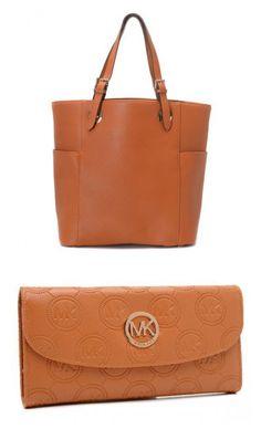Fashion Designer Handbags >>