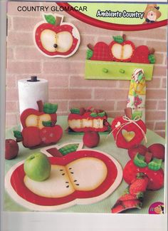 manualidades country vaqutias para la cocina Apple Kitchen Decor, Kitchen Decor Themes, Book Crafts, Diy And Crafts, Decoupage, Apple Wreath, Apple Decorations, Country Paintings, Inside Design