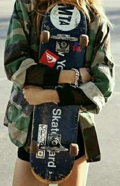 Right now, skate outfit is for that reason accepted in favorite culture, that'd it look like fair game for all those to wear. Skateboard Design, Skateboard Girl, Skateboard Decks, Skateboard Tumblr, Girls Skate, Look Fashion, Street Fashion, Fashion Cover, Skate Photos