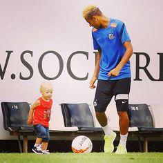 Davi Lucca and Neymar.father and son Neymar Jr, Neymar Family, Bae, Sport Football, Best Player, Father And Son, Fc Barcelona, Football Players, My Hero