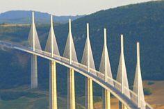 Viaduc de Millau- pont le plus haut du monde(2012) vallée du Tarn -Aveyron