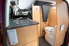 Campingbus-Vergleichstest: Reimo Multi Style gegen VW California - PROMOBIL