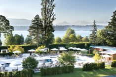 Enjoy your stay and discover all we have to offer at La Réserve Genève Hotel, Spa & Villa in Geneva, Switzerland from The Leading Hotels of the World. Lake Geneva Switzerland, Switzerland Hotels, Best Hotel Deals, Best Hotels, Villa, Restaurants, Leading Hotels, Relaxing Day, Game Reserve