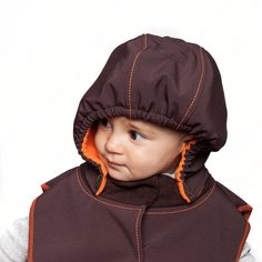 Provides warmth and protection for head, neck and shoulders Easily detachable baby hood Water resistant, windproof and breathing SoftShell outer fabric Warm and breathable Micro-Polar lining