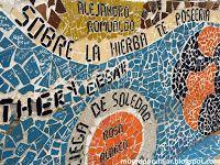 Detalle de decoración con aire Gaudí en el Parque del Amor de Lima
