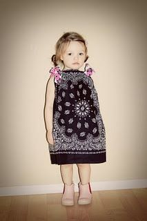 My fave dress to make my baby girl... The 15 Minute Dress (tutorial)