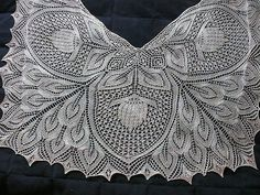So hard to choose just 1 Neibling project to make!  Ravelry: toricon's gorgeous shawl version of Neibling's Hanelore