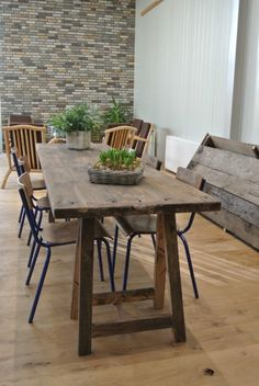 Tafel van oud eiken wagondelen http://allinonebylucpeters.nl/meubels/tafel-luna-eiken-wagondelen/
