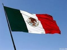 Use the mexican flag as a decoration or a table cloth