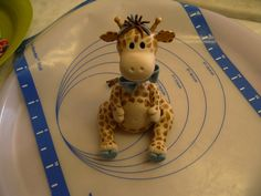 Hey, I found this really awesome Etsy listing at https://www.etsy.com/listing/126999473/fondant-giraffe-cake-topper