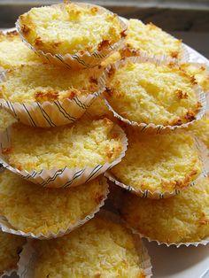 Coquinhos de laranja - bolinhos de coco com laranja