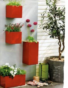 Love the pops of color! I should do this in my back yard
