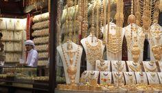 O Gold Souk de Dubai ... porque lá tudo que brilha é ouro mesmoooo!   Vem saber mais no blog: http://theaccessorista.com.br/2015/04/04/gold-souk-de-dubai-o-mercado-do-ouro/ #mydubai #goldsoukdubai #iloveuae