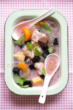 Es Campur Surabaya (Indonesian Mix Fruit Ice).