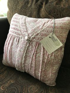 Grandma always wore her favorite nightgown when you visited. A perfect way to honor her memory is a custom memory pillow. Memory Pillow From Shirt, Memory Pillows, Memory Quilts, Keepsake Crafts, Memory Crafts, In Memory Gifts, Sewing Hacks, Sewing Crafts, Sewing Projects