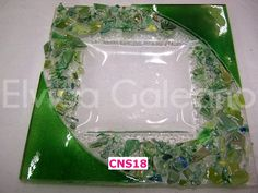 CNS18 Fused Glass Plates, Fused Glass Art, Glass Dishes, Stained Glass, Glass Fusion Ideas, Glass Fusing Projects, Kiln Formed Glass, Christmas Dishes, Glass Photo