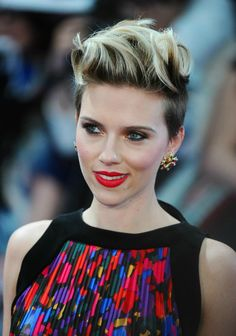 Scarlett-Johansson-Short-Hairstyle-1