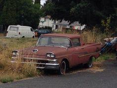 1958 Ford Ranchero rusting away in Seattle