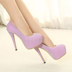 lindos tacones de color lila