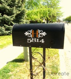 She surprised a friend by making her mailbox cute while she was out for the day.. How nice is that!?