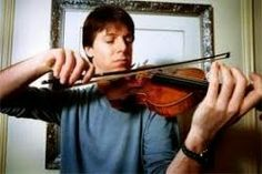 """Joshua Bell Joshua Bell (Bloomington, Indiana, on December 9, 1967). American violinist. His first contact with the world of music goes back to when he was four years old. """"My parents introduced me to the sound of the violin,"""" he said. """"Wasn't I who elected him""""."""
