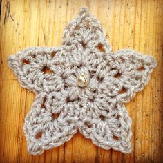 JingleStar Crochet Pattern  I designed this star to go on top of my crochet Christmas tree so made it small with dk and a 3mm hook but it's a very versatile pattern and can…