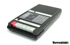 Cassette recorders Classic 80s Movies, Star Magazine, Movie Shots, Cassette Recorder, Star Fashion, Gadgets, Tech, Retro, Rustic