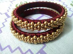 😍😍 Silk Thread Bangles Design, Silk Bangles, Thread Jewellery, Fabric Jewelry, Jewellery Making, Designer Bangles, Banarsi Saree, African Bracelets, Terracotta Earrings