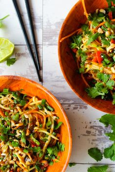Veggie Pad Thai Zoodles with a Peanut Dressing Zucchini Noodle Recipes, Healthy Zucchini, Veggie Pad Thai, Vegan Vegetarian, Vegetarian Recipes, Peanut Dressing, Salad Topping, Dinner Sides, Stuffed Hot Peppers