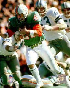 Nfl Football Players, Nfl Playoffs, Football Gear, Football Photos, Football Helmets, Miami Dolphins Players, 1972 Miami Dolphins, Nfl Miami Dolphins, Win Or Lose