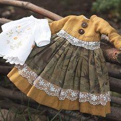 Stunning Blythe dresses created in the Atelier de l'ame Frocks For Girls, Kids Frocks, Kids Outfits Girls, Little Girl Dresses, Toddler Outfits, Girl Outfits, Girls Dresses, Baby Girl Fashion, Kids Fashion