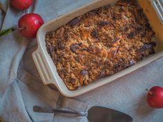 Omenacrumble | Syksyn leivonnainen - AITOA ARKIRUOKAA Banana Bread, Desserts, Food, Tailgate Desserts, Deserts, Essen, Postres, Meals, Dessert