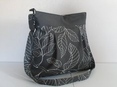 I love the leaves on this bag
