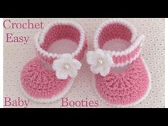 Zapatitos a Crochet muy fáciles para bebes tejido tallermanualperu - Смотреть видео бесплатно онлайн Baby Girl Crochet Blanket, Crochet Baby Boots, Crochet Baby Sandals, Crochet Baby Clothes, Crochet Sole, Easy Crochet, Baby Shoes Pattern, Cute Baby Shoes, Baby Slippers