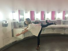 Executing an 'Alvin Ailey T' (ladies toilets @ The Lowry)...