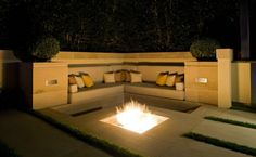 terrasses et jardins : salon avec canapé en beige par Harold Leidner