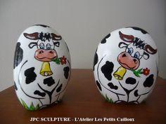 ARTISANAT D'ART: Vaches noires - Galet peint Ref 102 - Prix 10 Euros l'unité