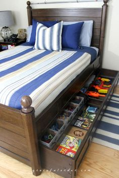 Organization Bedroom Kids - creative bedroom storage ideas that you need to know. Teen Boy Bedding, Teen Bedroom, Boys Bedroom Ideas Tween, Teen Boy Bedrooms, Master Bedroom, Under Bed Organization, Bedroom Organization, Organization Ideas, Ideas Hogar