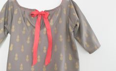 Léon & Louise est une jeune marque lyonnaise de vêtements et accessoires pour enfants.