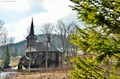 Cathedral, Cabin, House Styles, Building, Travel, Home Decor, Viajes, Decoration Home, Room Decor