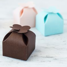 Petal Top Truffle Boxes by Beau-coup