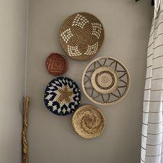 Set of three African Baskets for Wall Hanging. Rwanda Baskets Set of three African Baskets for Wall Hanging. Baskets On Wall, Decorative Wall Baskets, Boho Bathroom, Boho Living Room, Basket Decoration, Plates On Wall, Plate Wall, Bohemian Decor, Home Deco
