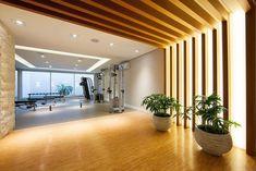 Ventura Wellness - Pesquisa Google Academia Fitness, Divider, Wellness, Google, Room, Furniture, Home Decor, Bedroom, Decoration Home