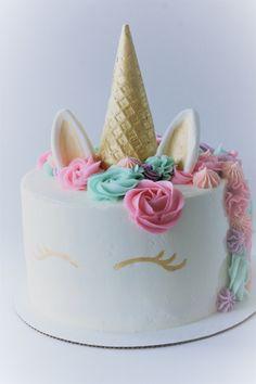 diy unicorn cake how to make . Diy Unicorn Cake, Unicorn Cake Pops, Unicorn Cake Decorations, Unicorn Party, Unicorne Cake, Diy Cake, Cake Smash, Cupcakes, Cupcake Cakes