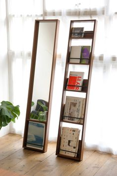 Could be wall mounted Diy Interior, Interior And Exterior, Interior Design, Space Furniture, Furniture Design, Magazine Stand, Magazine Rack Wall, Magazine Display, Magazine Storage