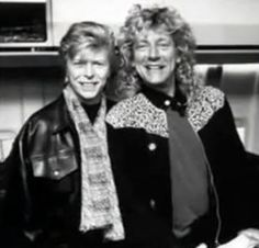 David Bowie and Robert Plant (led zeppelin) in the late David Bowie, El Rock And Roll, Robert Plant Led Zeppelin, Musica Popular, Idole, Ziggy Stardust, Rockn Roll, Music Icon, Music Music